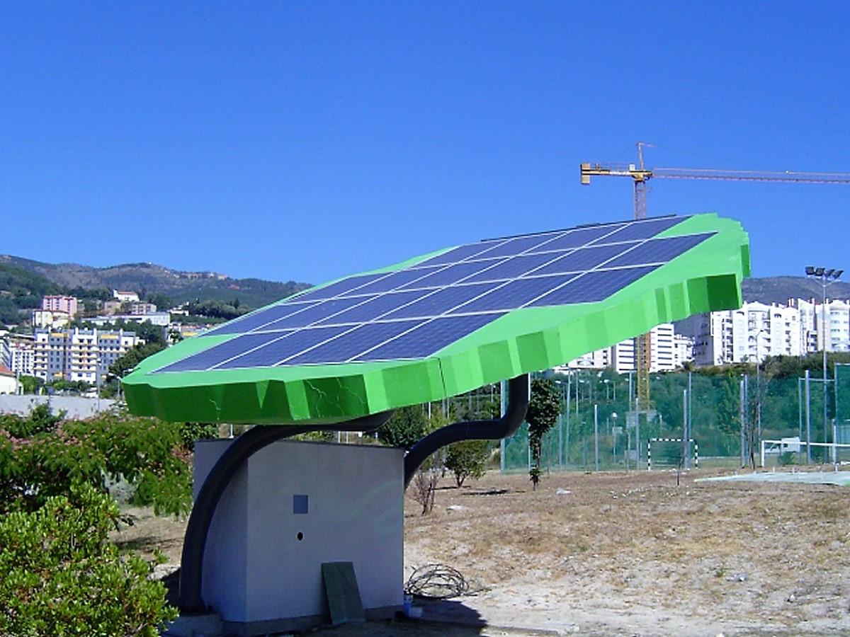 Folha com painéis solares